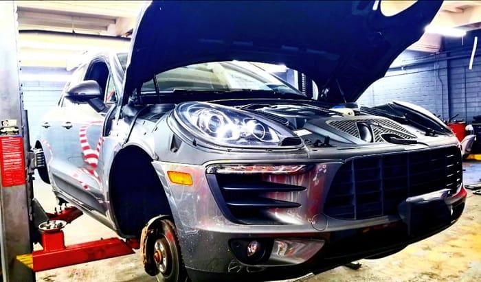 Garage sửa ô tô Porsche tại TPHCM chuyên sâu, uy tín và hiện đại