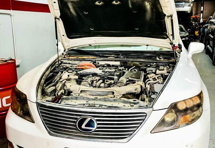 Vừa là nhà cung cấp phục tùng xe ô tô Lexus lớn
